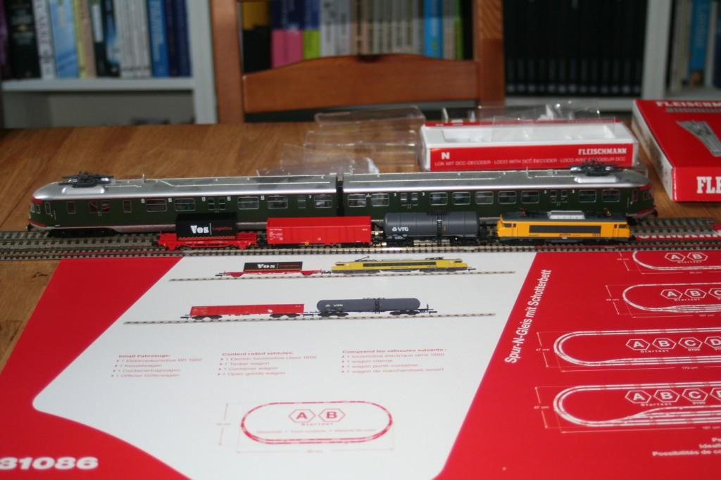 Rivarossi MAT 46 naast deFleischmann 1600 spoor N